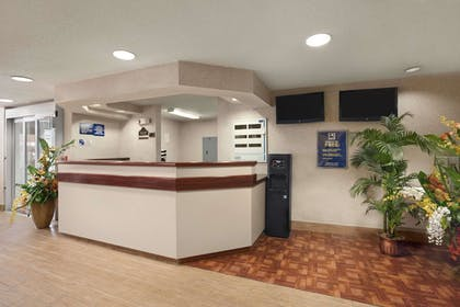 Lobby | Microtel Inn & Suites by Wyndham BWI Airport Baltimore