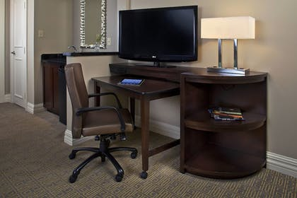 Guestroom | Courtyard by Marriott New Orleans French Quarter/Iberville