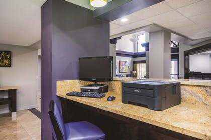 Business Center | Wingate by Wyndham Memphis
