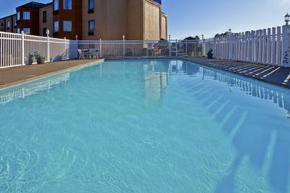 Pool | Holiday Inn Express Hotel & Suites Spence Lane