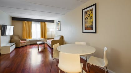 | Suite, 1 King Bed with Sofa bed, Non Smoking, Refrigerator & Microwave (with Sofabed) | Best Western Airport Inn & Suites