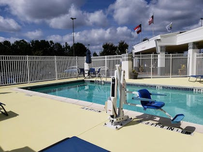 Pool | Days Inn & Suites by Wyndham Union City