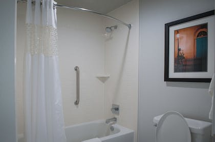 | 1 King Studio Suite with Kitchen Non-smoking | Hampton Inn & Suites New Orleans Convention Center