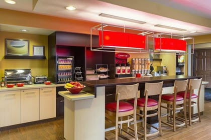Breakfast Area | TownePlace Suites By Marriott Phoenix North