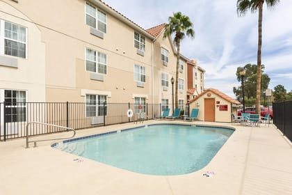 Pool | TownePlace Suites By Marriott Phoenix North