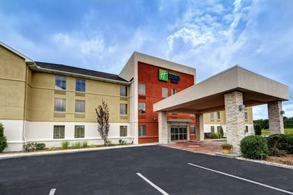 Featured Image | Holiday Inn Express & Suites Crossville