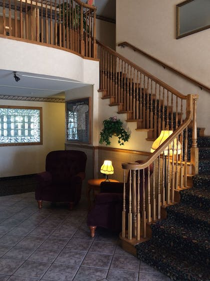 Staircase | Fairbridge Inn & Suites, Miles City