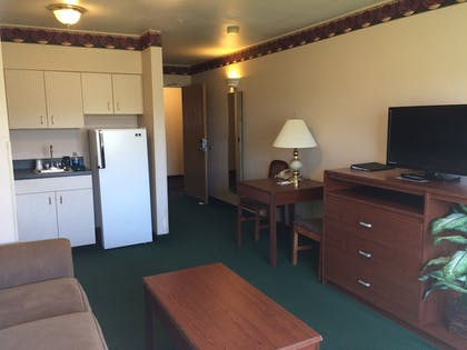 Living Area | Fairbridge Inn & Suites, Miles City