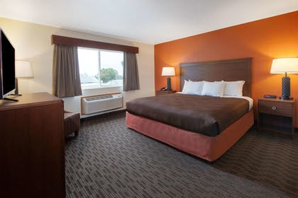 Room | AmericInn by Wyndham Petoskey