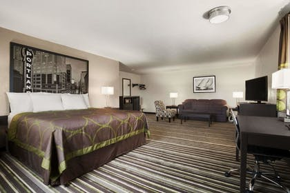 Guestroom | Super 8 by Wyndham Portland Airport