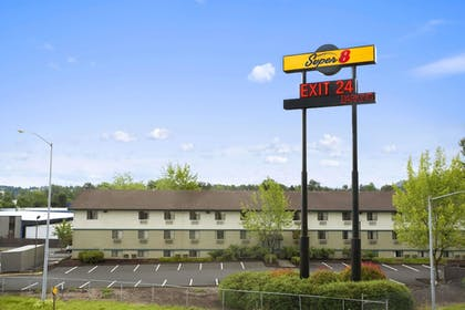 Exterior | Super 8 by Wyndham Portland Airport