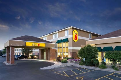 Exterior   Super 8 by Wyndham Madison South