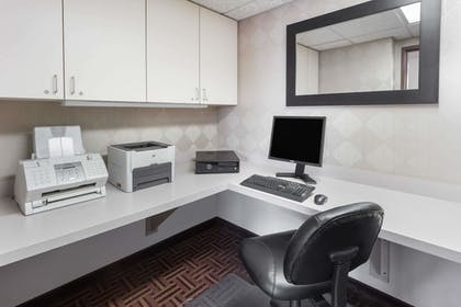 Business Center   Super 8 by Wyndham Madison South