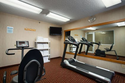 Fitness Facility   Super 8 by Wyndham Madison South