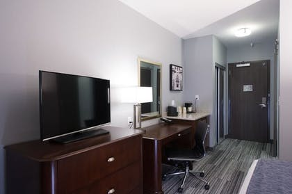 Living Area | Best Western Plus Franklin Square Inn Troy/Albany