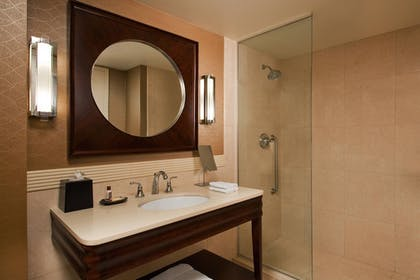 Guestroom | Sheraton Valley Forge Hotel