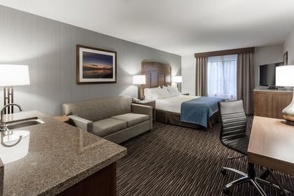 Guestroom | Holiday Inn Express Hotel & Suites Carpinteria
