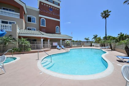 Outdoor Pool | Comfort Suites Oceanside Camp Pendleton Area