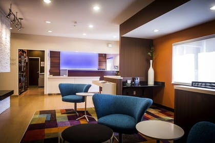 Lobby | Fairfield Inn by Marriott Little Rock North