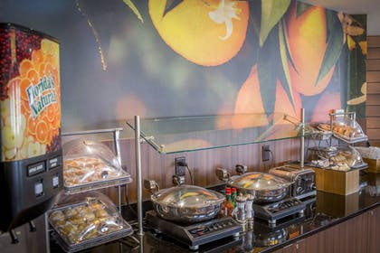 Breakfast buffet | Fairfield Inn by Marriott Little Rock North