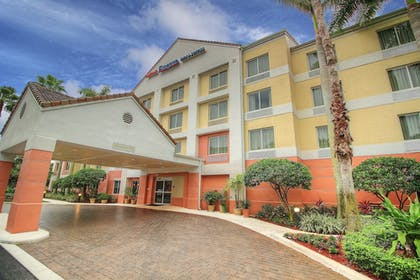 Hotel Front | Fairfield Inn and Suites by Marriott Jupiter