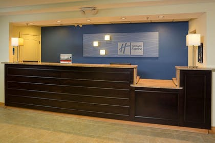Lobby | Holiday Inn Express Clermont
