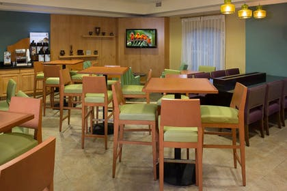 Restaurant | Holiday Inn Express Clermont