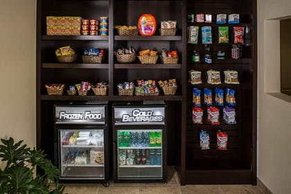 Snack Bar | Holiday Inn Express Clermont