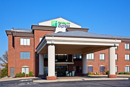 Exterior | Holiday Inn Express & Suites Shelbyville