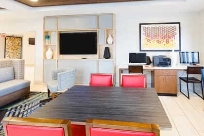 Business Center | Holiday Inn Express & Suites Shelbyville