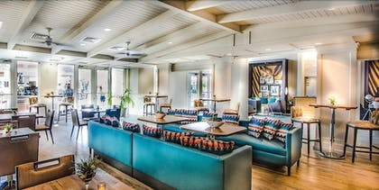 Lobby Lounge | DoubleTree Resort by Hilton Grand Key - Key West