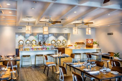 Restaurant | DoubleTree Resort by Hilton Grand Key - Key West