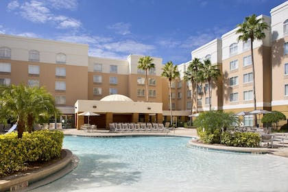 Outdoor Pool | SpringHill Suites Orlando Lake Buena Vista Marriott Village