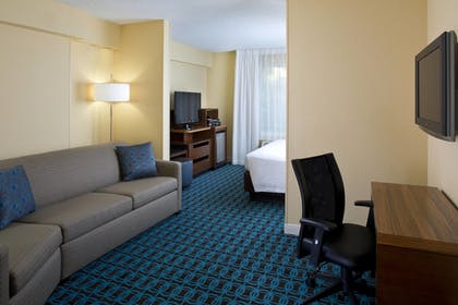 Room | Fairfield Inn & Suites Lake Buena Vista in Marriott Village