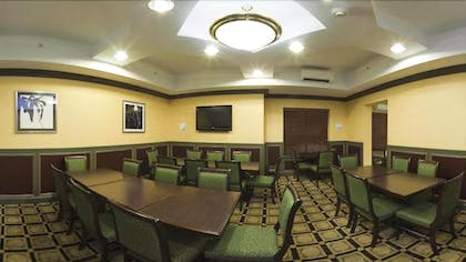 Breakfast Area | Holiday Inn Express Hotel & Suites Indianapolis East