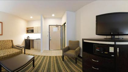 Living Area | Holiday Inn Express Hotel & Suites Berkeley