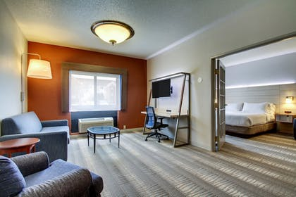 Guestroom | Holiday Inn Express Milwaukee North Brown Deer/Mequon