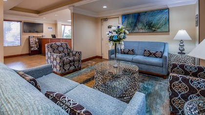 Lobby | Best Western Plus Bradenton Hotel & Suites