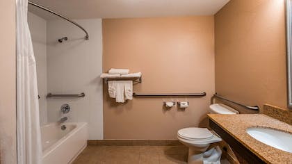 Bathroom | Best Western Plus Bradenton Hotel & Suites