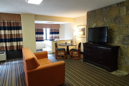 Living Room | SureStay Plus Hotel by Best Western Gatlinburg