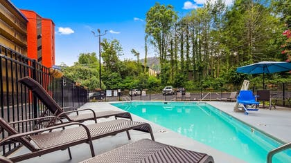 Pool | SureStay Plus Hotel by Best Western Gatlinburg