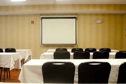 Meeting Facility | TownePlace Suites by Marriott Rochester