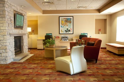 Lobby Sitting Area | TownePlace Suites by Marriott Rochester