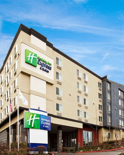 | Holiday Inn Express Hotel & Suites SeaTac