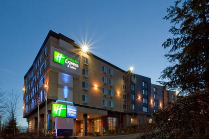 Featured Image | Holiday Inn Express Hotel & Suites SeaTac
