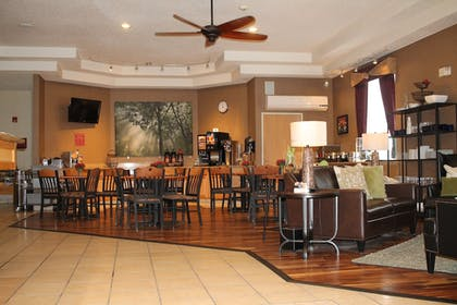 Breakfast Area | Best Western Plus Des Moines West Inn & Suites