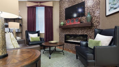 Lobby | Best Western Plus Des Moines West Inn & Suites
