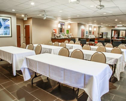 Meeting Facility   Comfort Suites Lombard - Addison