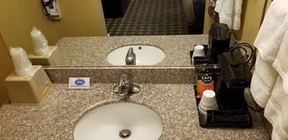 Bathroom | FairBridge Inn & Suites Cleburne