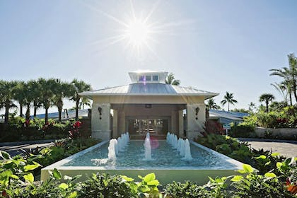 Fountain | Islander Resort